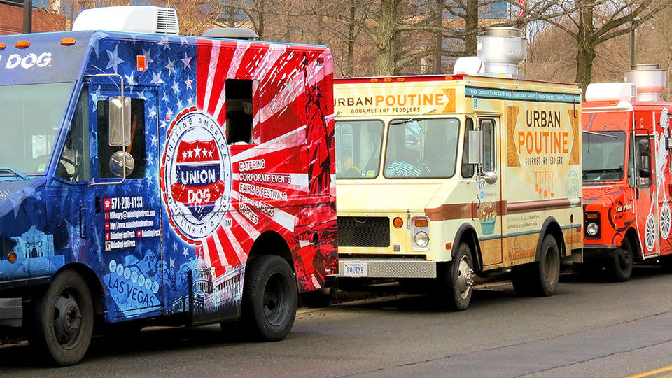 Food truck owners cooperate to help their small businesses succeed